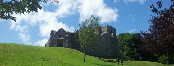 Oystermouth Castle is one of Locais curtidos por Jason.