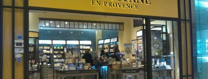 L'Occitane en Provence is one of R 님이 좋아한 장소.