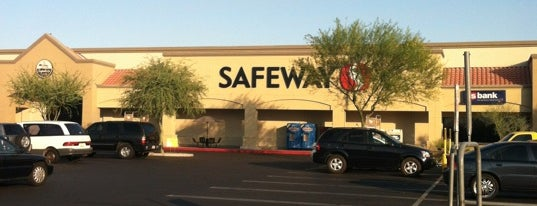 Safeway is one of Tempat yang Disukai Holly.