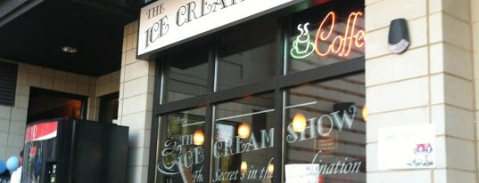 The Ice Cream Show is one of Locais salvos de Monica.