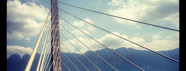 Puente Atirantado is one of Lugares favoritos de Rosco.