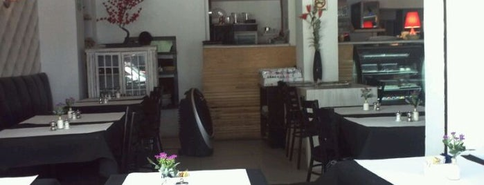 Prieta Linda Cafe & Bistro is one of Marco 님이 좋아한 장소.