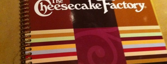 The Cheesecake Factory is one of Tempat yang Disukai 💫Coco.