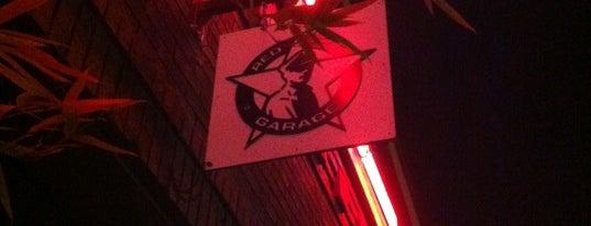 Red Cap Garage is one of Tempat yang Disimpan Chad.