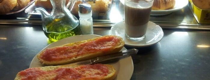Cafetería Jazmín is one of jordi 님이 좋아한 장소.