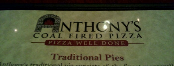 Anthony's Coal Fired Pizza is one of Lieux qui ont plu à Andy.