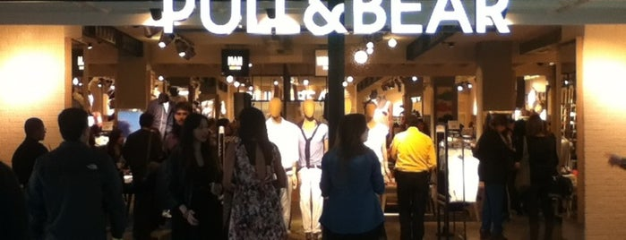 Pull & Bear is one of Posti salvati di Christian.