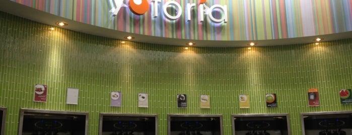 Yoforia is one of สถานที่ที่ Emmy ถูกใจ.