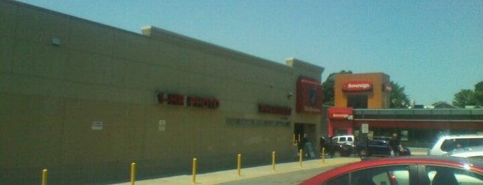 Walgreens is one of Tempat yang Disukai Mei.