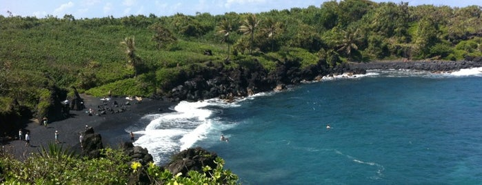 Black Sand Beach is one of Posti che sono piaciuti a Amanda.