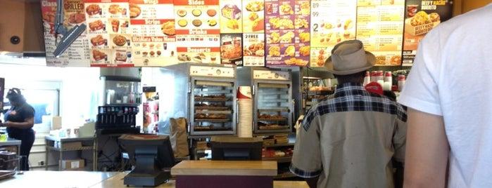 Taco Bell/KFC is one of Posti che sono piaciuti a Derek.