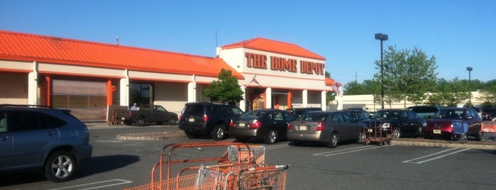 The Home Depot is one of Tempat yang Disimpan Stuart.