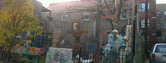Glenwood Avenue Arts District is one of Chicago to-do.