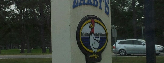Zaxby's Chicken Fingers & Buffalo Wings is one of Tempat yang Disimpan Lizzie.