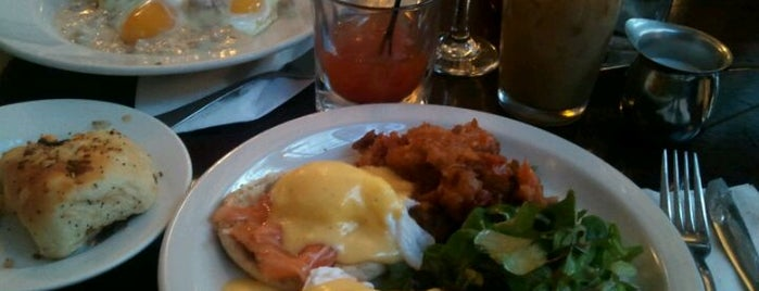 Essex Restaurant is one of NYC Brunch list.