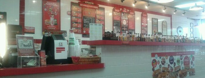 Firehouse Subs is one of Posti che sono piaciuti a Ethan.