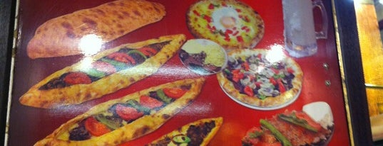 Karadeniz Pide Salonu is one of Istambul food.