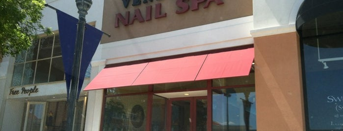 Venetian Nail Spa is one of Lieux qui ont plu à Katie.