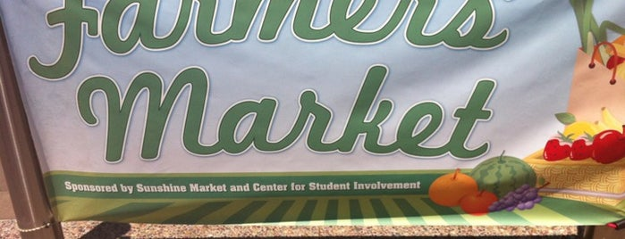 UCSD Farmer's Market is one of Alejandroさんのお気に入りスポット.