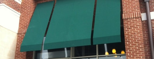 Starbucks is one of Lieux qui ont plu à Fatih.