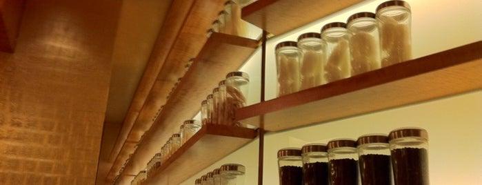 Noodles is one of Locais curtidos por Sergio M. 🇲🇽🇧🇷🇱🇷.