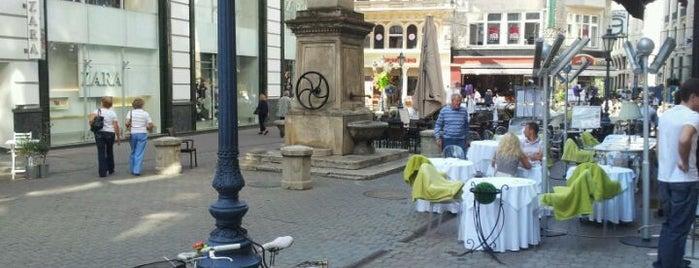 Kristóf tér is one of Budapeste (Hungria).