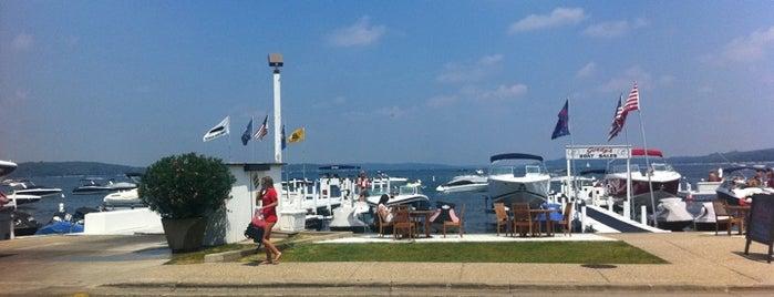 Gordy's Boat House Restaurant is one of Anoosh 님이 좋아한 장소.