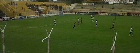 Estadio Roberto Natalio Carminatti (Olimpo) is one of Argentina football stadiums.