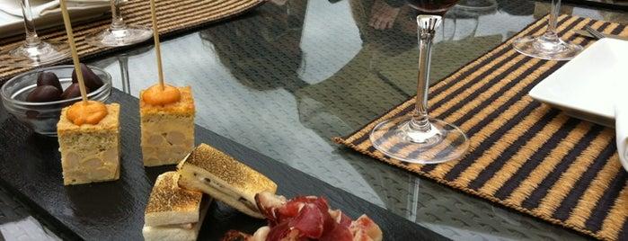 Hotel Can Bonastre Wine Resort is one of Moira 님이 좋아한 장소.