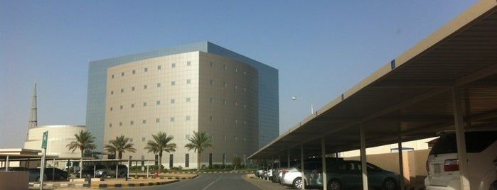 STC HQ is one of Lugares favoritos de Taher.