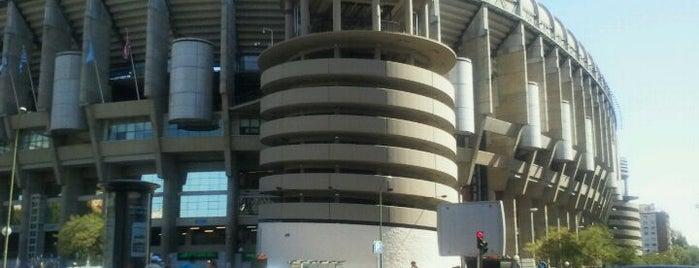 Santiago Bernabéu Stadyumu is one of 101 sitios que ver en Madrid antes de morir.