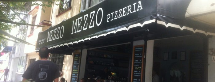 Mezzo Mezzo is one of Restaurantes.