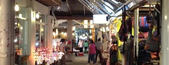 Kalare Night Bazaar is one of Thai Flowers.