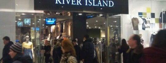 River Island is one of Kira'nın Beğendiği Mekanlar.
