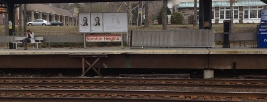 Metro North - Noroton Heights Train Station is one of New Haven Line & Northeast Corridor (Metro-North).