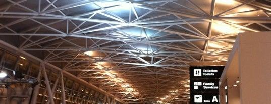 Aeroporto de Zurique (ZRH) is one of Airports of the World.
