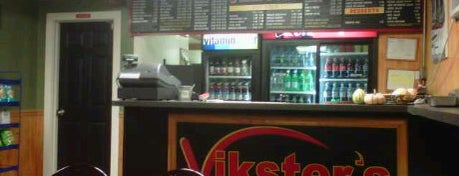Vikster's Pizza is one of Lugares guardados de Steph.