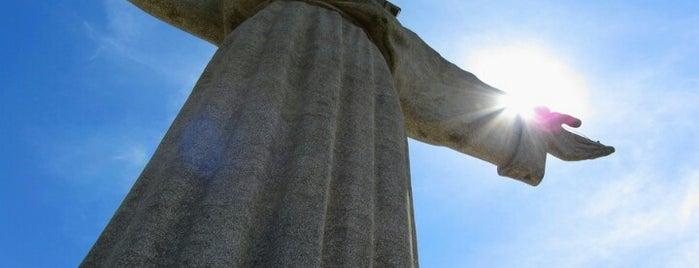 Cristo Rei is one of 101 coisas para fazer em Lisboa antes de morrer.