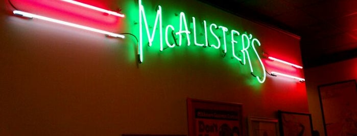 McAlister's Deli is one of Lauren 님이 좋아한 장소.