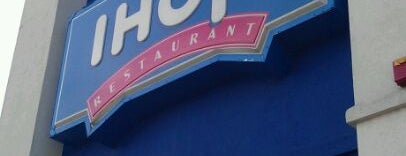 IHOP is one of Locais curtidos por Guha.