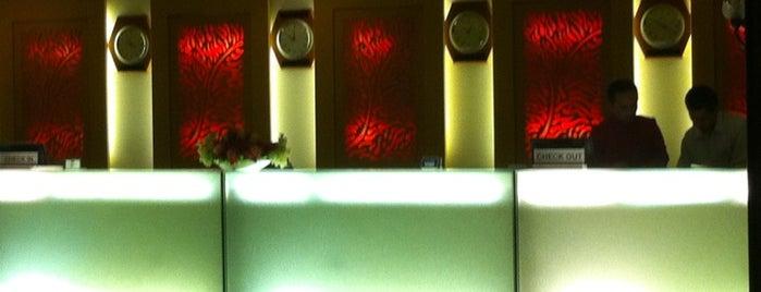 Mercure Hotel is one of Locais curtidos por yuki ♥.