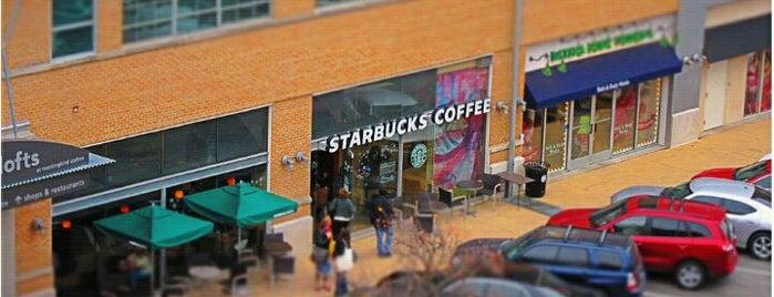 Starbucks is one of Orte, die John gefallen.