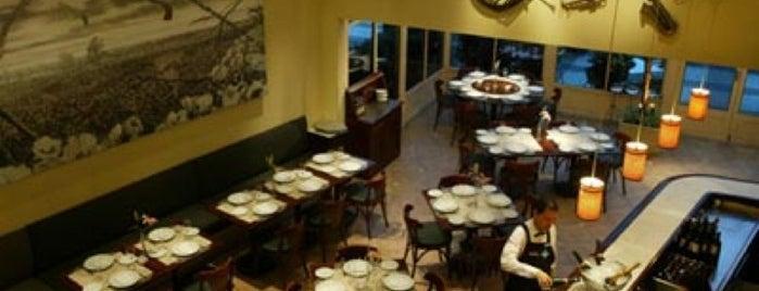 il Borsalino Ristorante is one of RJ para comer.