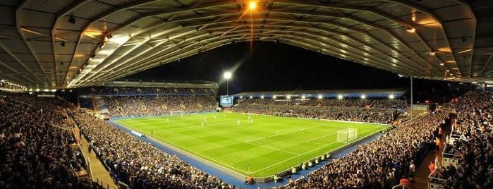 St. Andrew's Stadium is one of Lugares favoritos de Carl.