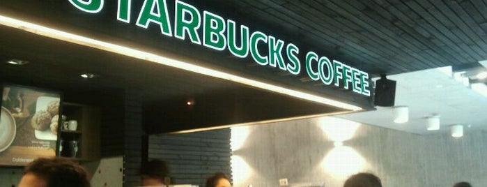 Starbucks is one of Locais curtidos por Ely.