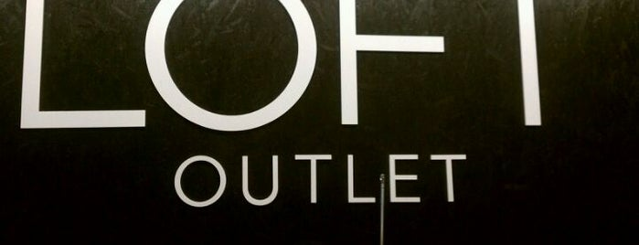 LOFT Outlet is one of Stephania 님이 좋아한 장소.