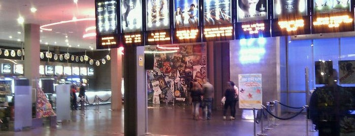 Cinesa Los Barrios is one of สถานที่ที่ Victor ถูกใจ.