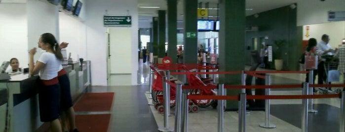Aeroporto de Uberlândia / Ten-Cel. Aviador César Bombonato (UDI) is one of Aeroportos do Brasil.