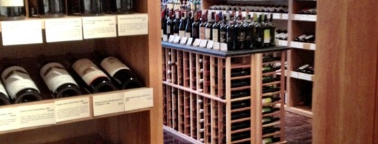 Flatiron Wines & Spirits - Manhattan is one of Lieux qui ont plu à Charles.