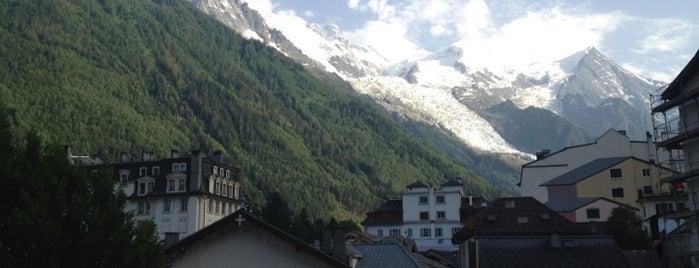 Place Mont Blanc is one of Nouf: сохраненные места.